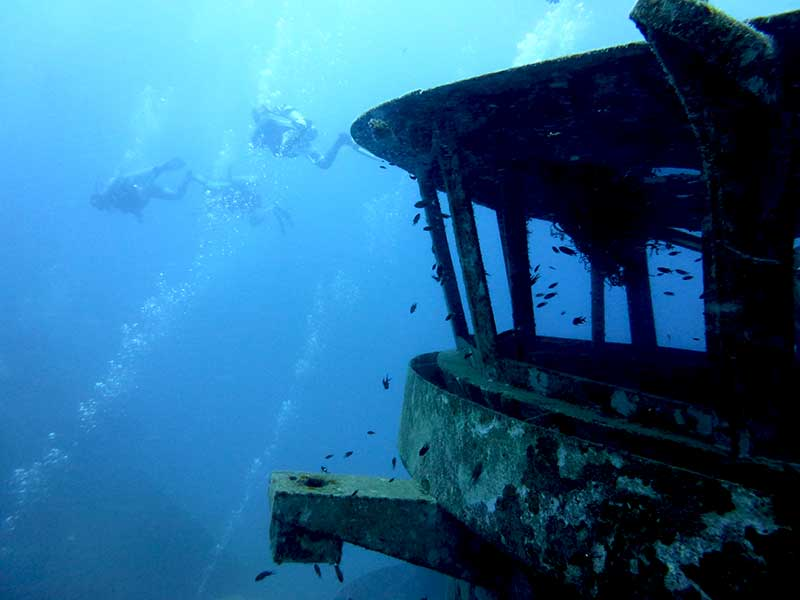 http://kohtaodiving.info/wp-content/gallery/davis-jones-lockers-gallery/Koh-Tao-Wreck-Diving.jpg